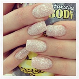 Light Elegance Nails, Sweden