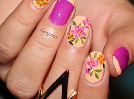 nail art: Summer Floral Nails