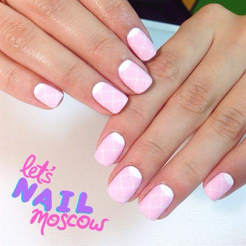 delicate lace nails 💅🏻🌸💕