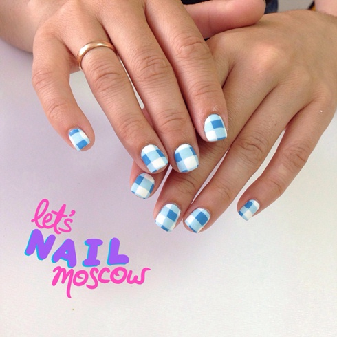cute plaid nails 💙