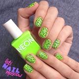 neon leopard 💚