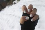 Glitter Snow Nails