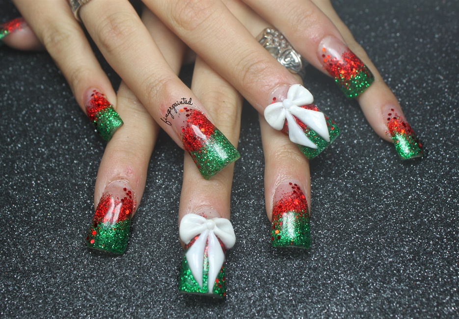 Christmas Glitter And Bows Nail Art Gallery
