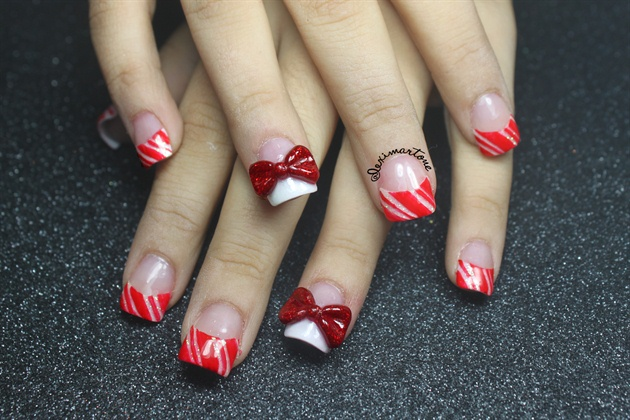 Christmas candy cane nails nail art gallery christmas candy cane nails prinsesfo Image collections