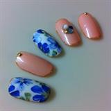 flower print nail