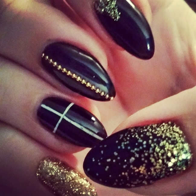 Black And Gold - Nail Art Gallery
