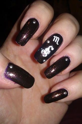 Scorpio nails ♦
