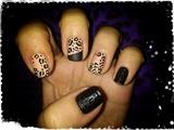 Matte Black&Nude Leopard Nail Art