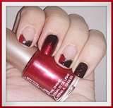 In Black & Red Nail Art