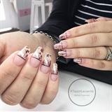 Dreamy Foil nails