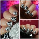 Nail art stamping blanck and white