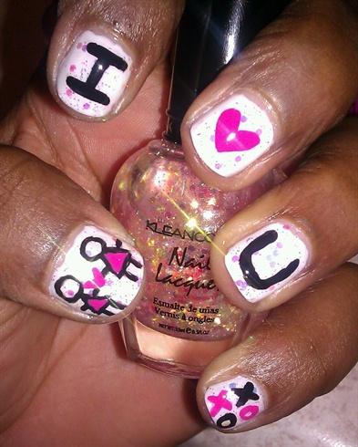 *lovelyBUTstrange* Lesbian Love Nail Art