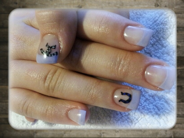 Lucky horseshoes - Lucky Horseshoes - Nail Art Gallery