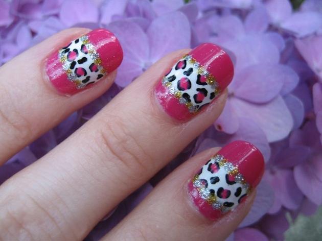 glitter stripes nail art