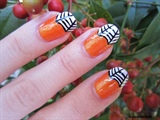 Halloween Spider Web Nail Art
