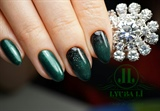 Green nails, perfect manicure