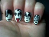 Kiss nails