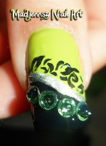 Mystical Peridot Crystal Swarovski Nails