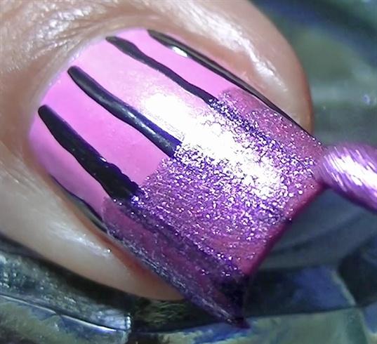 Paint your tips using a metallic nail polish