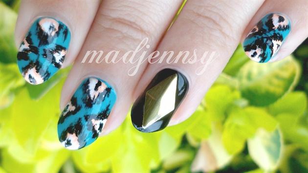 Edgy Ikat Nails!