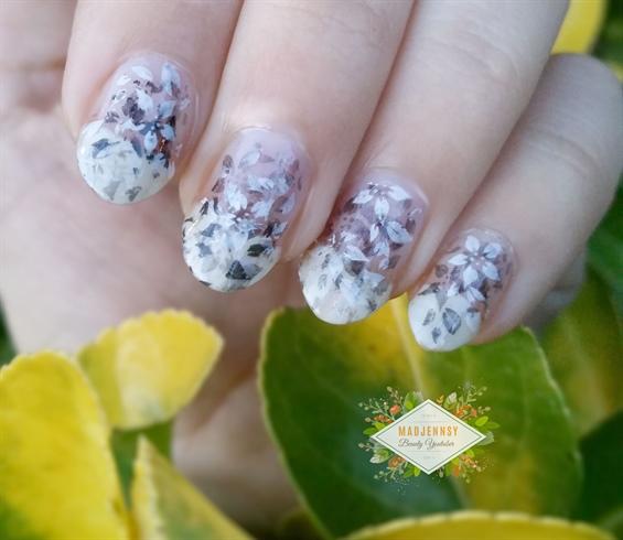 Monochrome Fading Foliage Stamping Nail