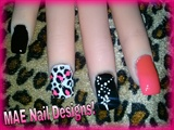 CROSS CHAIN & LEOPARD PRINT ACCENT NAILS