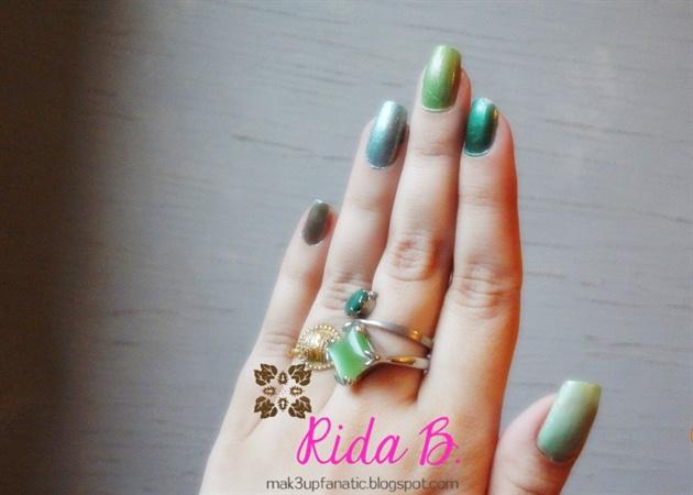 Go Greens! - Ombre Green Nails