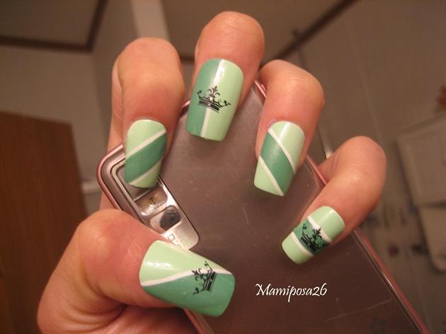 Mint crown nail design