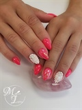Summer Shell Nails