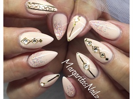 nail art: Nude & Gold