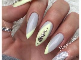nail art: Grey And Yellow