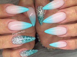 nail art: Ombré Stiletto Nails
