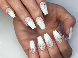 Glitter Ombré White Ballerina Nails