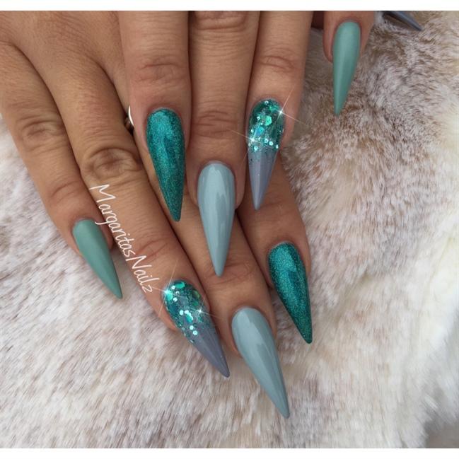Grey Glitter Ombré Stiletto Nails - Nail Art Gallery