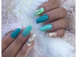 nail art: Teal And Gold