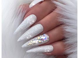 nail art: White Glitter Nails