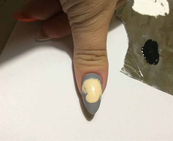 On the thumb I am creating a portrait of my dog , this is how it starts, with acrylic paint.
