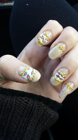 nude/white halfmoon mani   roses   glitter