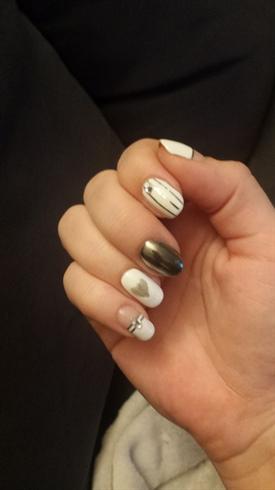 Chrome nails 4 V-Day (1st try)
