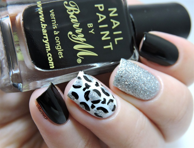 Classy leopard nails