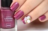 Nail charming