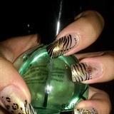 golden black nails