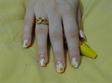 my nail art yellow 1
