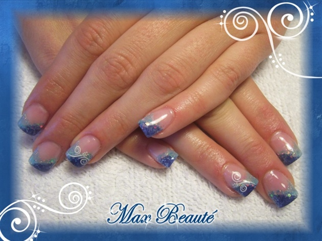 sponge gel nails in blue