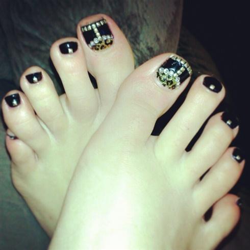 Rocker Toes