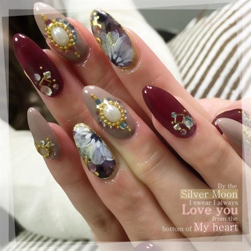 Autumn Flower Nails