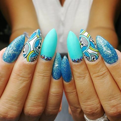 Handpainted nail art