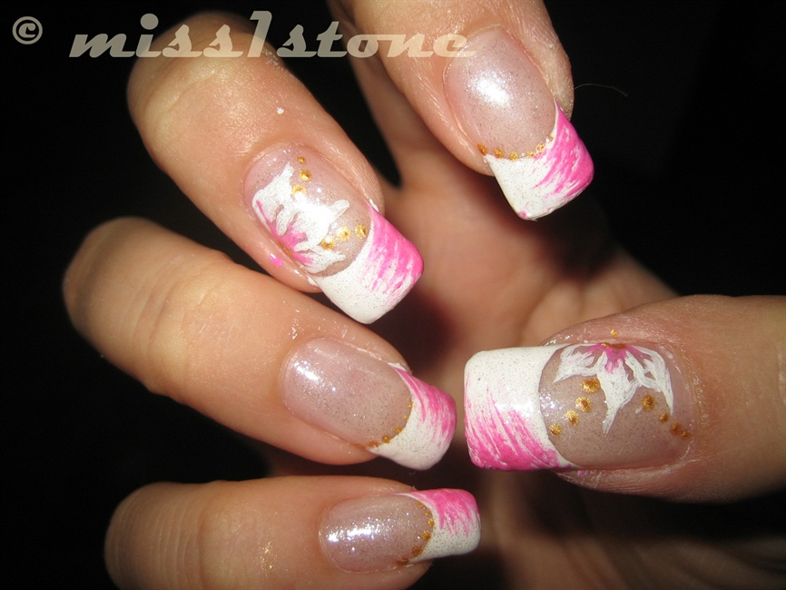 pink & white french - Nail Art Gallery