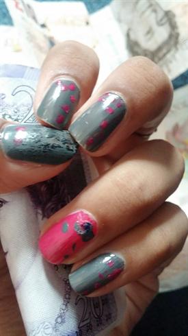 grey N pink