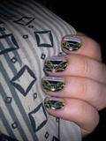 grey and green nails